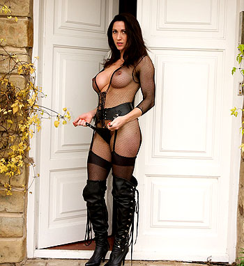 teasing in leather Boots